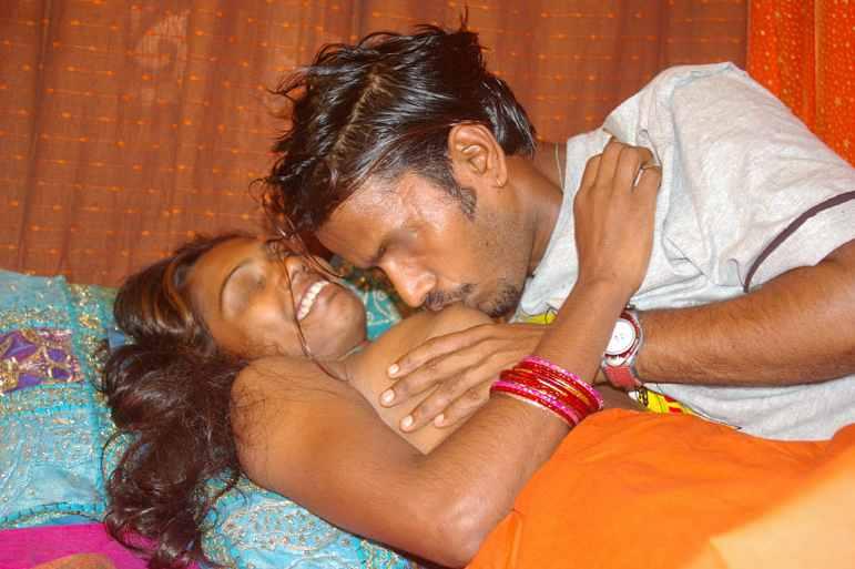 1 बेटे ने चोदी अपनी मम्मी की चूत Best Kamukta Story bete ne chodee apanee mammee kee choot