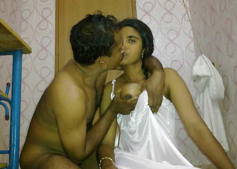 मौसी की बेटी को पटाकर उसकी चूत चाटी 1 Best hindisexstory mausee kee betee ko pataakar usakee choot chaatee